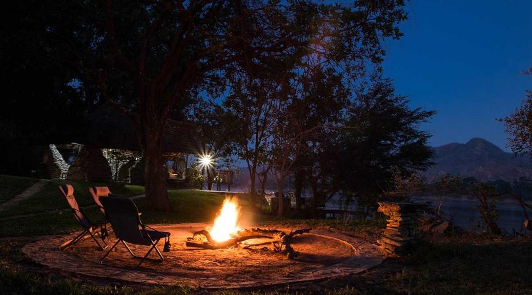 zambezi-kingfisher-lodge-campfire